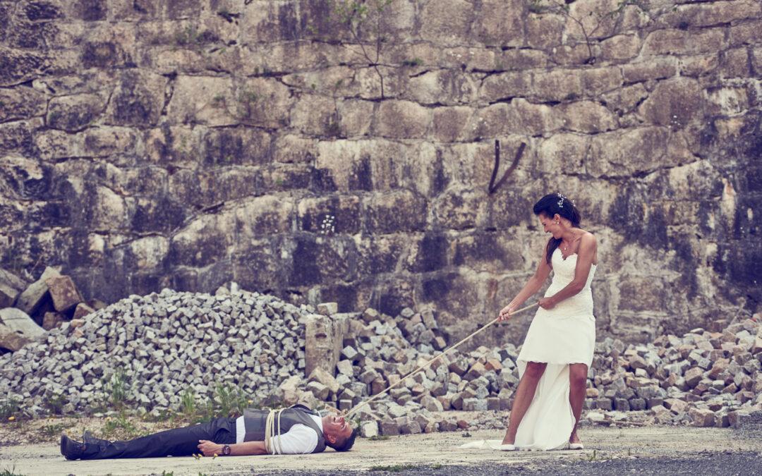 Hochzeitsbilder, auf denen das Kleid dreckig sein darf